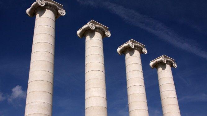 Utopias_pillars